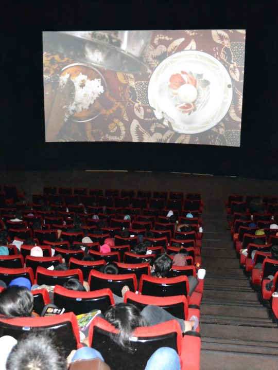 Literasi Film Indonesia Para Penonton di Bioskop