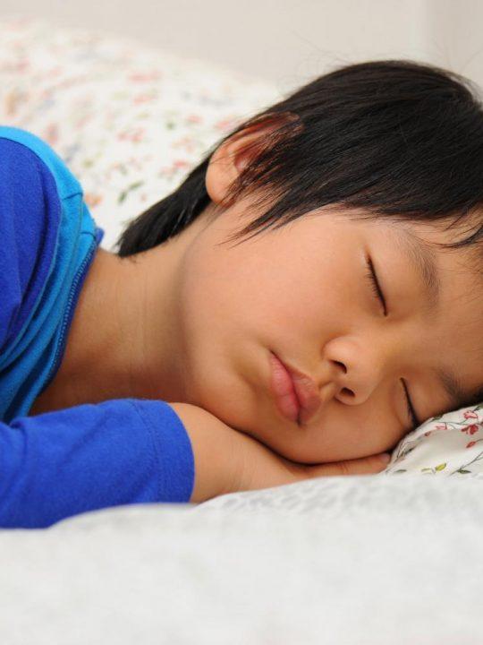 Orang Kurang Tidur Lebih Merasa Sakit
