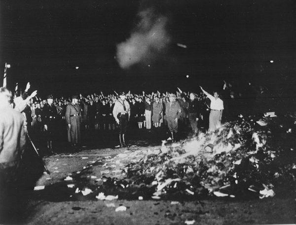 Sejarah Pembakaran Buku 2
