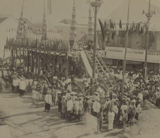Sejarah Panjat Pinang