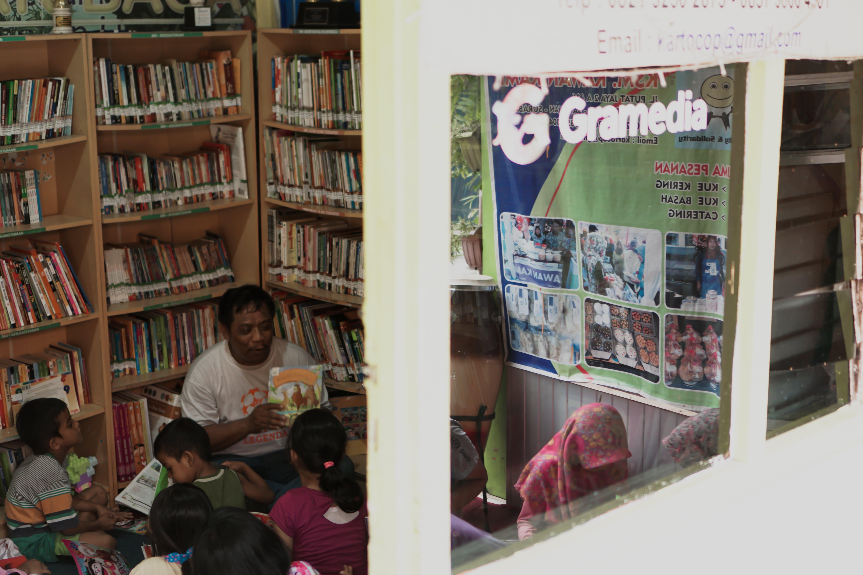 Literasi Nusantara Slide 3